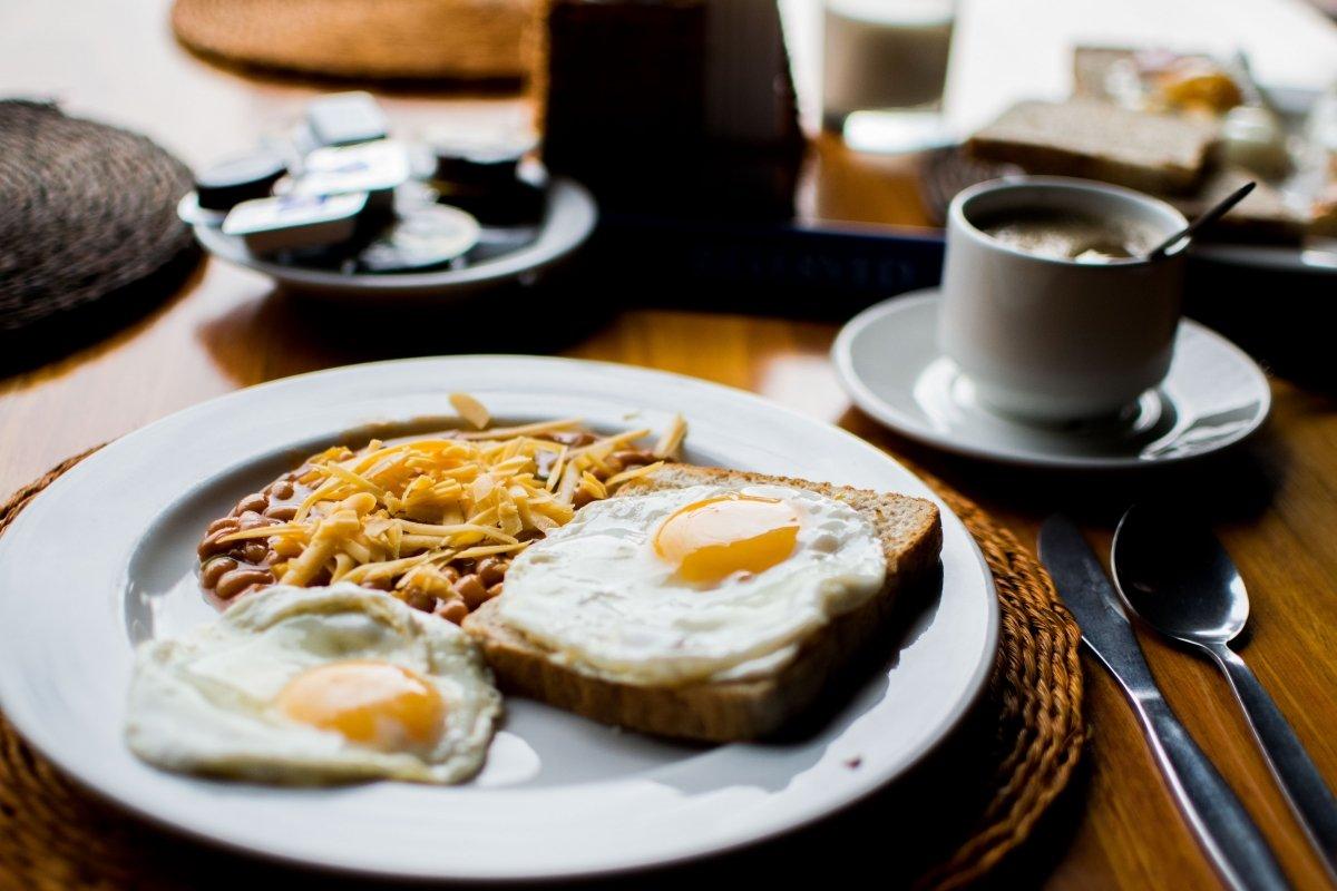 kater ontbijt